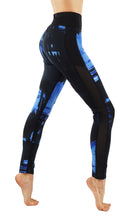 Workout leggings with elastic waistband and mesh panels