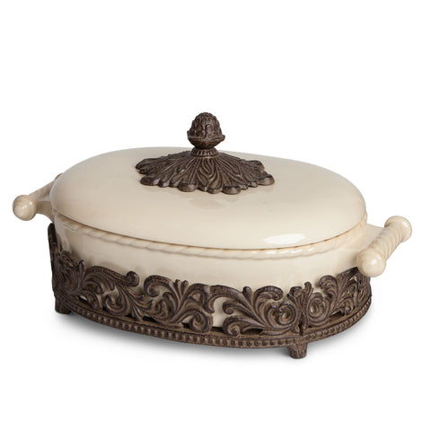 The GG Collection Gracious Goods 2.5qts Acanthus Leaf Casserole Dish - Avenue of Oaks Decor