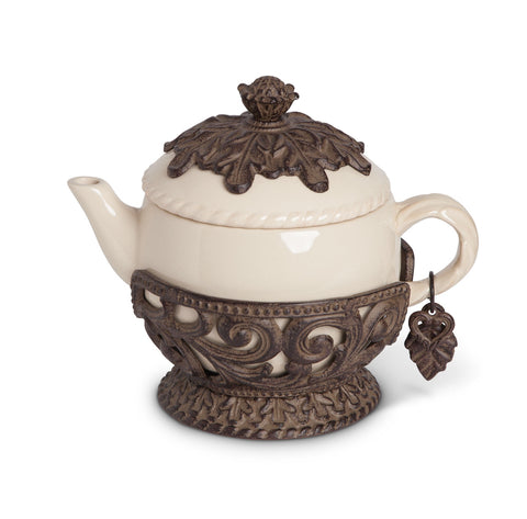 The GG Collection Gracious Goods Acanthus Leaf Teapot 40oz - Avenue of Oaks Decor