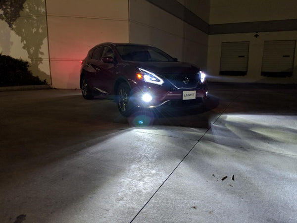 2018 nissan murano fog light white