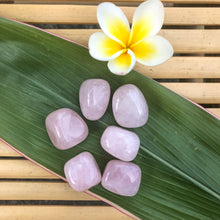 Load image into Gallery viewer, Rose Quartz Tumbled Stone