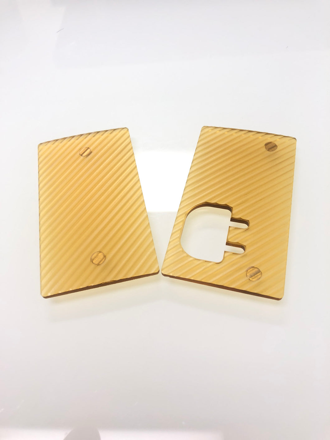 Ultem grippy doors for the plug