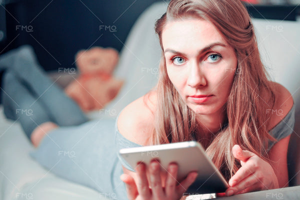 Photo - Lazy Day Reading: 16 Stock Photos