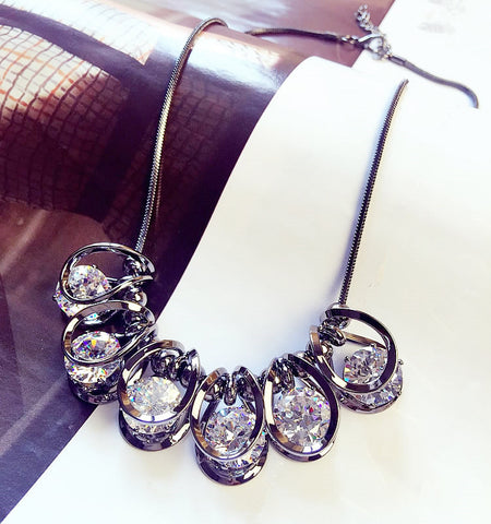 Necklaces Luxury Bright Crystal Short Chain Korean Dress Accessories Clavicle Jewelry