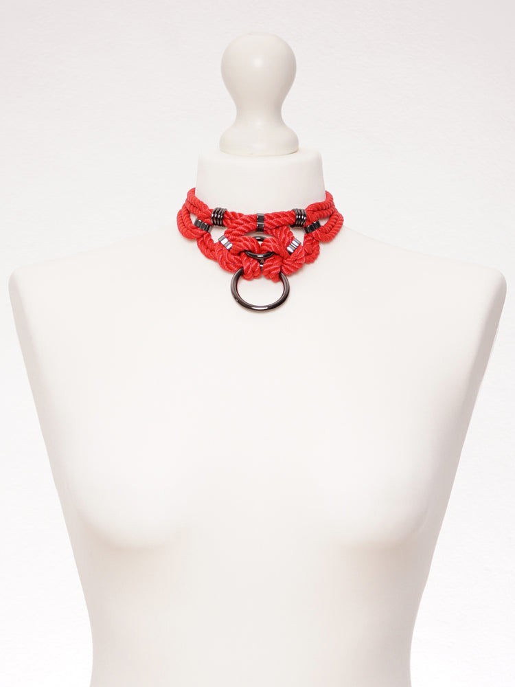 'MEGAMI' CHOKER WITH DETACHABLE SELF-TIE HARNESS *RED