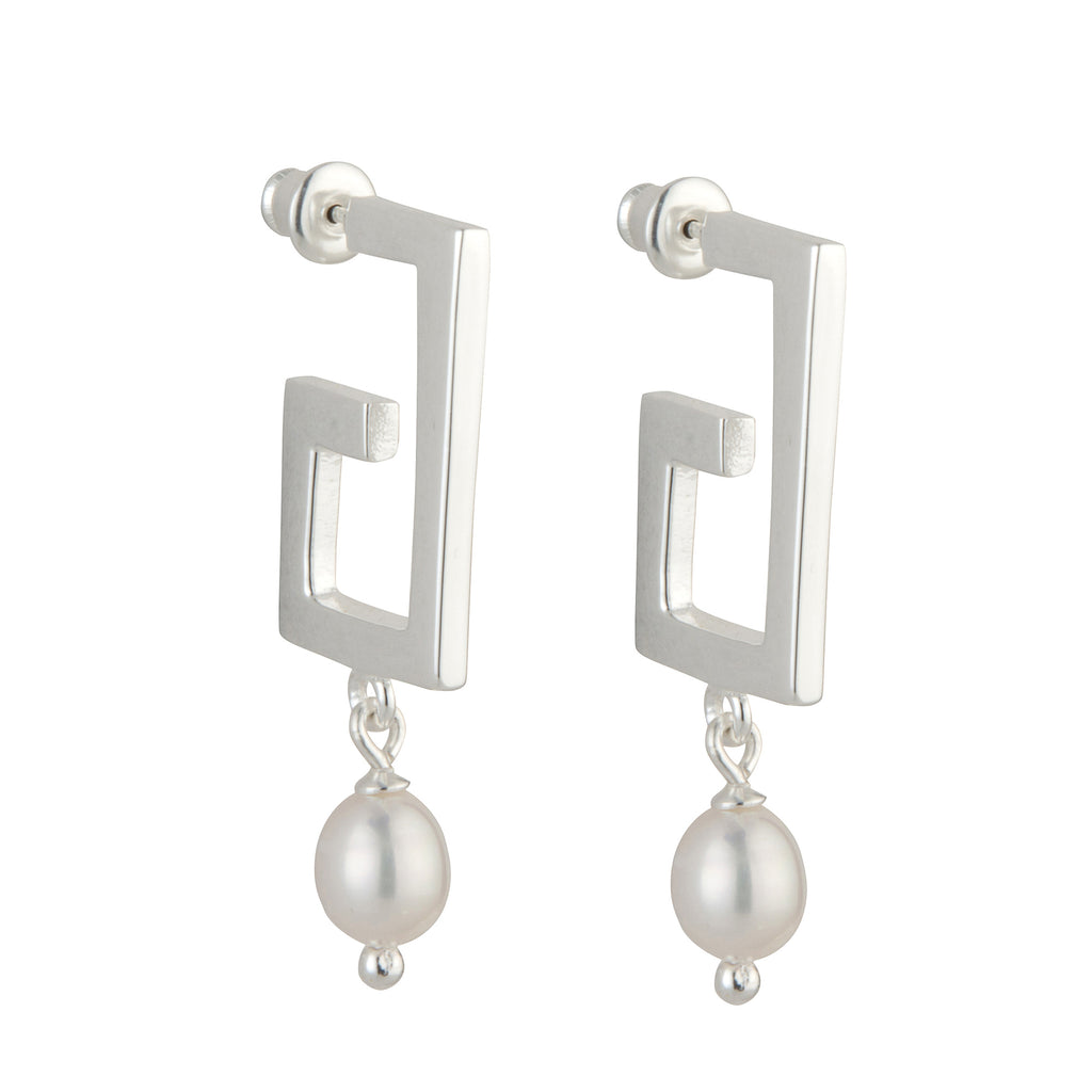 The 'Zara' Pearl Earrings