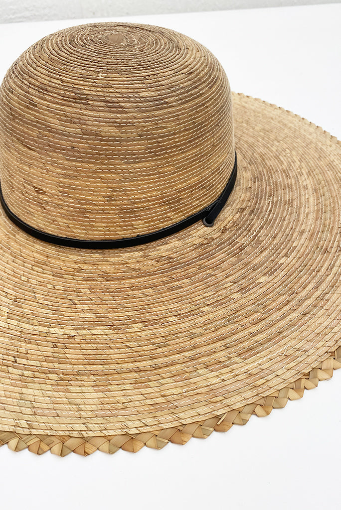 Scallop Edge Wide Brim Sun Hat
