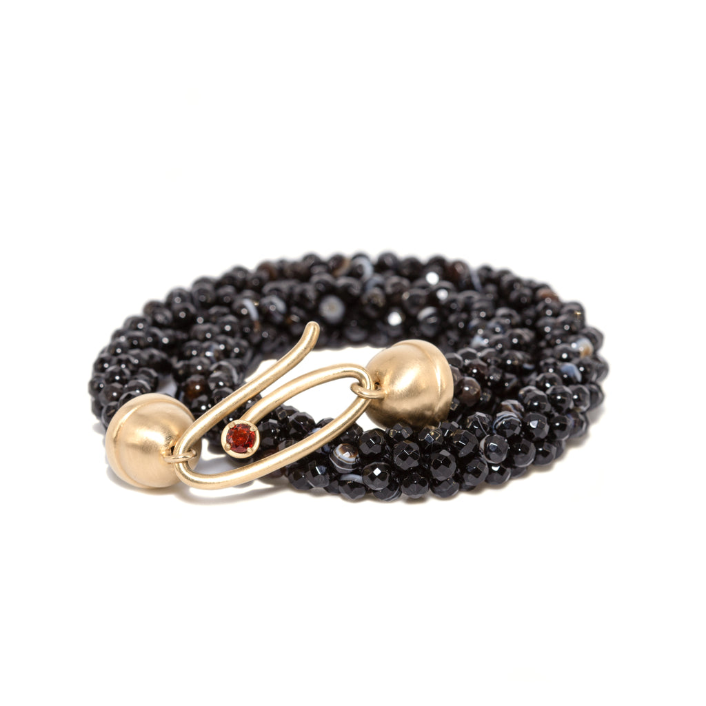 sardonyx-beaded-bracelet-with-14kgold-and-garnet-clasp