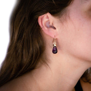 Load image into Gallery viewer, gold-flat-hexagon-earrings-amethyst-model
