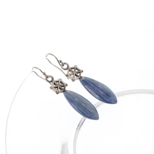 Load image into Gallery viewer, kyanite-silver-spoked-hexagon-earrings