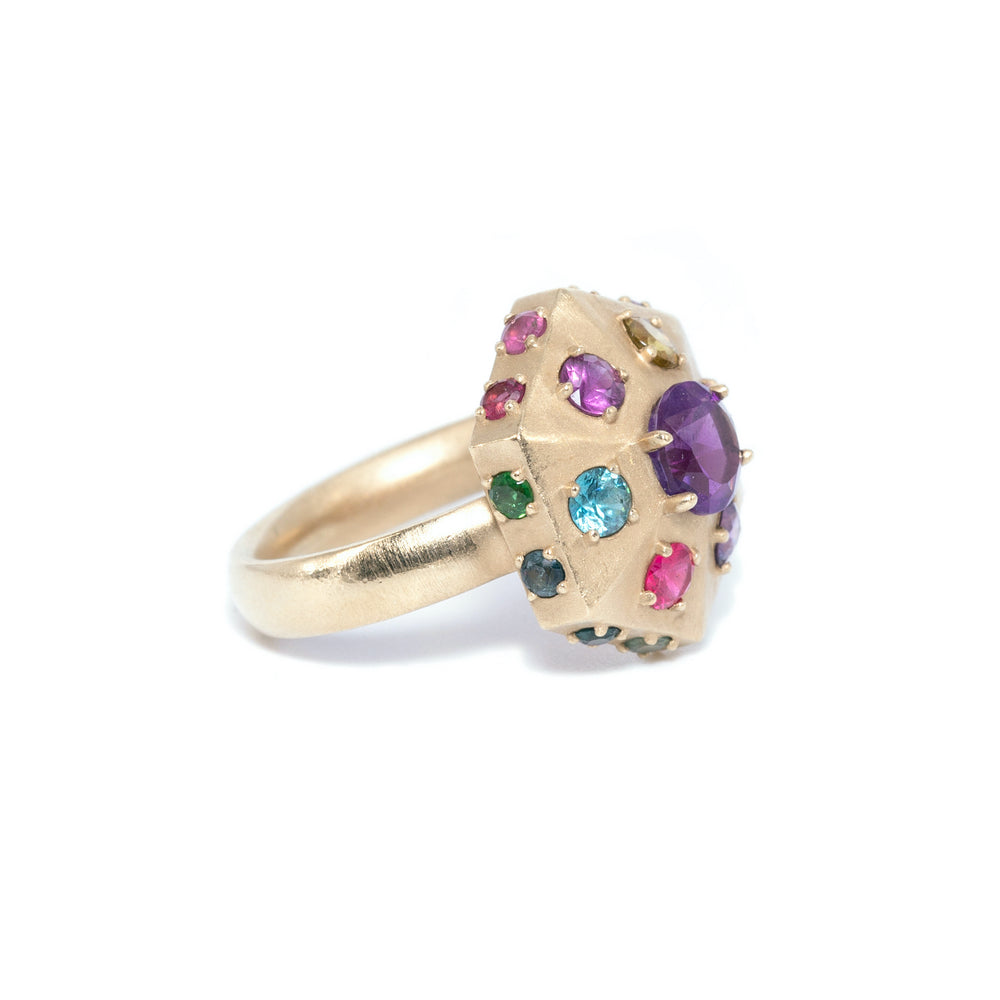gold-pointed-hexagon-ring-amethyst