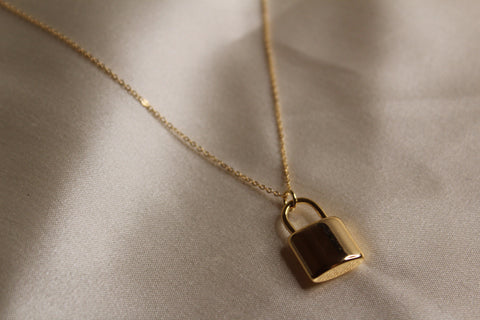 Love Lock Necklace (Gold)
