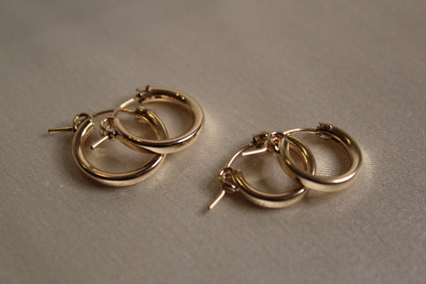 Your everyday gold hoops