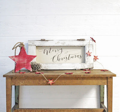 The perfect Christmas decor for your vintage style farmhouse