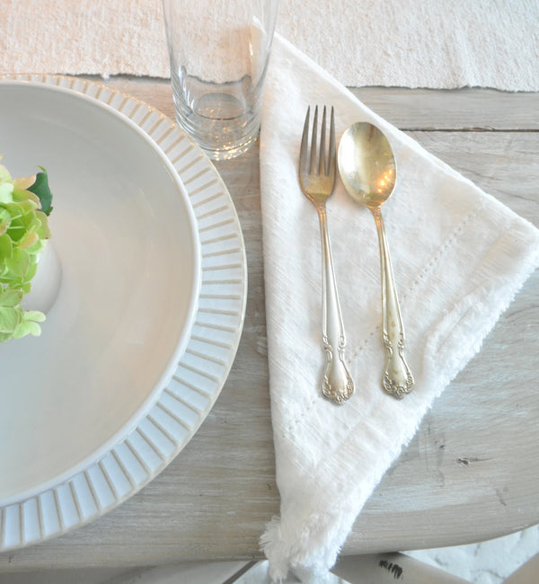 Madeline Frayed Edge Napkin in White - Set of 6