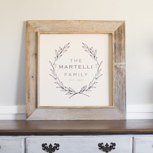 Laurel Wreath Personalized Family Sign
