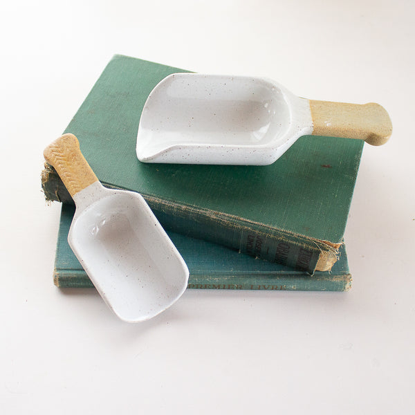 Grayson Stoneware Scoop