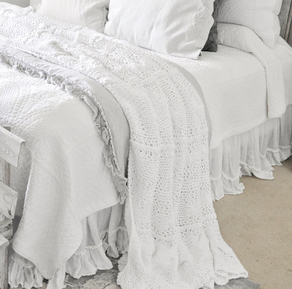 Kynli Cable Knit Coverlet Blanket