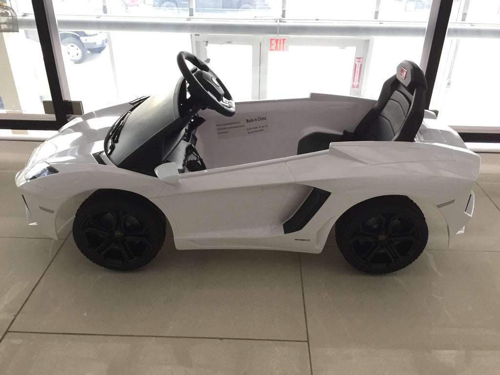 Lamborghini Aventador LP700-4 Electric Toy Car 6V - White