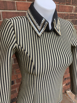 XS back zip stripe shirt by Mama Mia