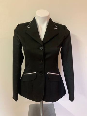 The Huntress black coat with white piping size 8