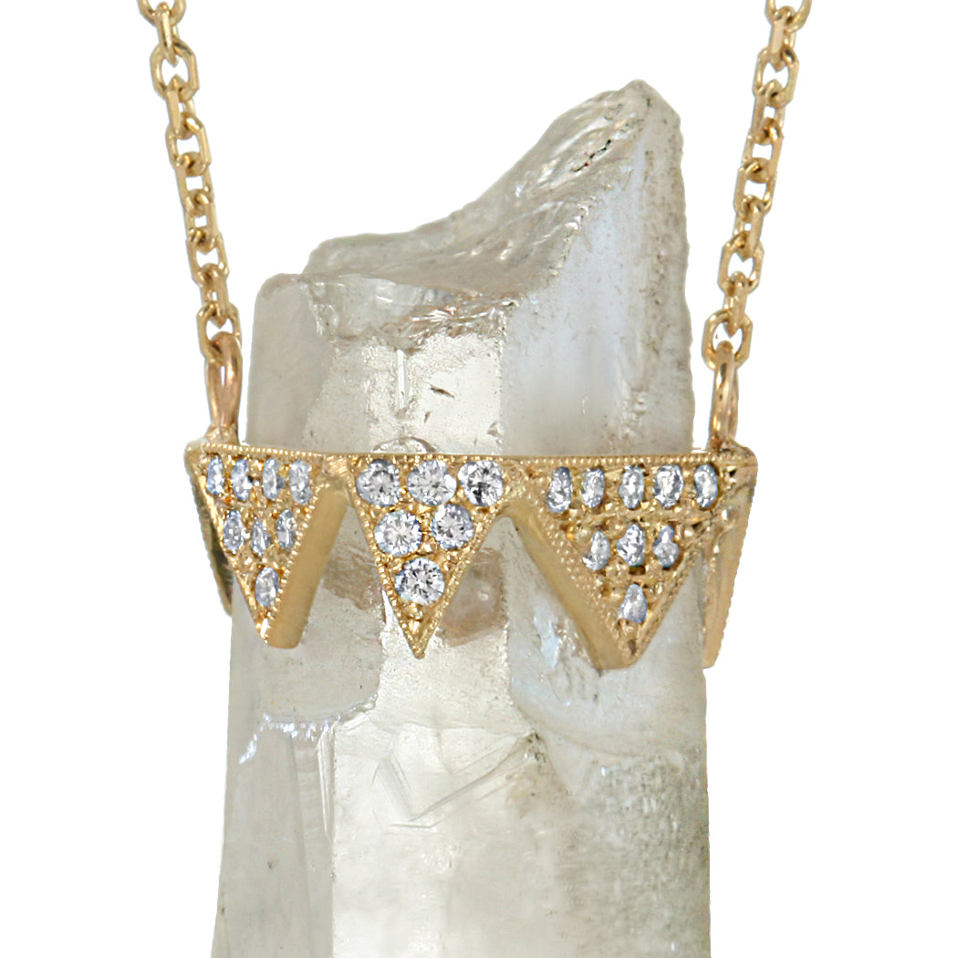 GOLD DIAMOND AND CLEAR QUARTZ CRYSTAL PENDANT NECKLACE
