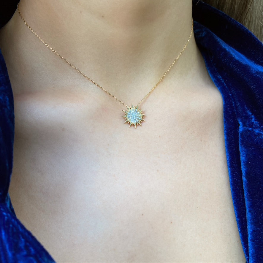 Soleil Necklace, White Diamond, Yellow Gold