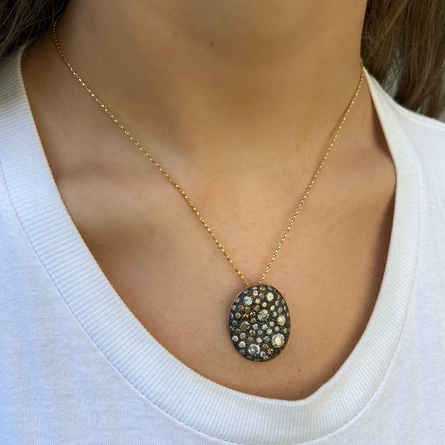 Malak Oval Necklace Icy Diamonds and Black Rhodium, Yellow Gold