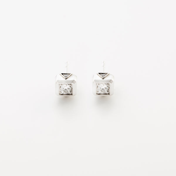 Small Code Solitaire Studs