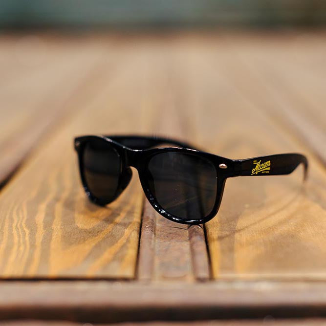 Mecum Novelty Sunglasses Black - Front - Lifestyle