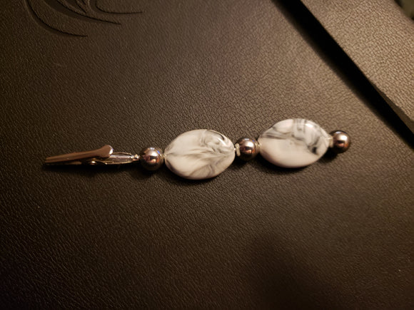 White Marbled & Silver Beaded Clip