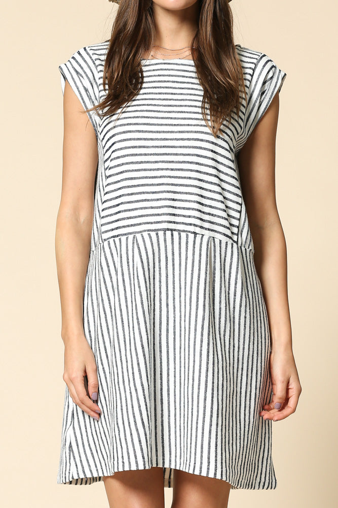 Short sleeve striped dress with pockets