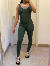 Laden Sie das Bild in den Galerie-Viewer, Spring Jumpsuit - Olive