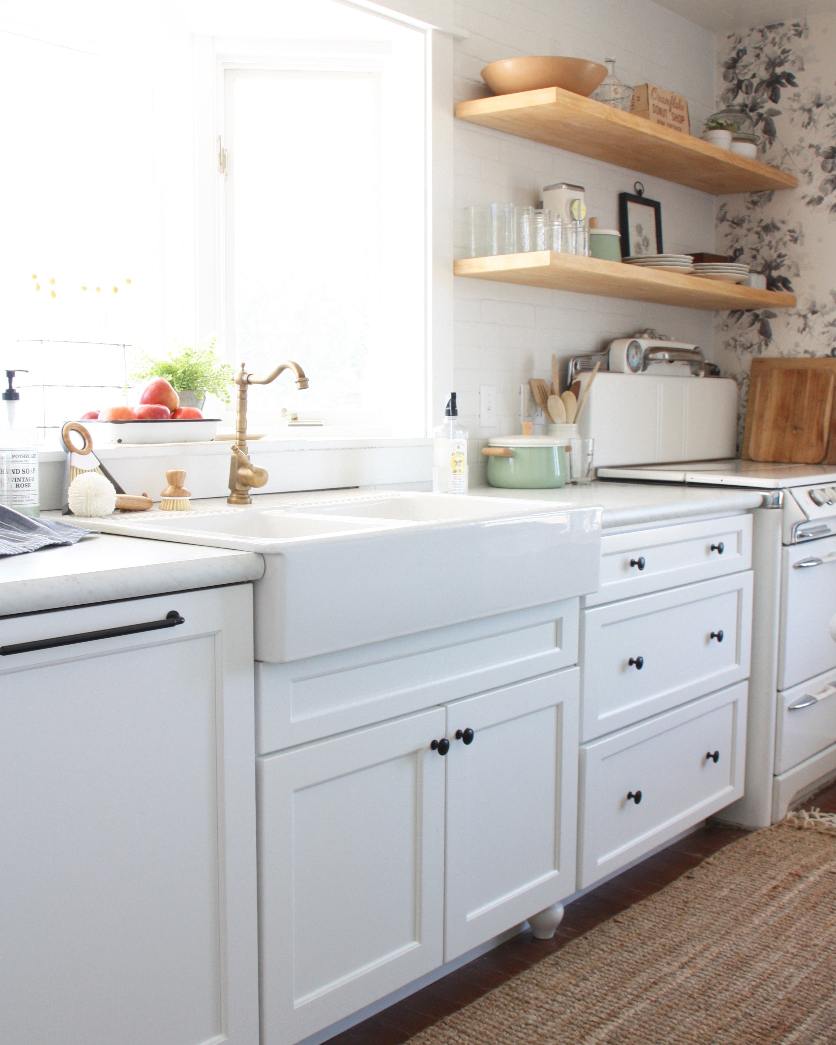 THE LONG AWAITED KITCHEN POST (AND SOURCE LIST!) – The Festive Farmhouse