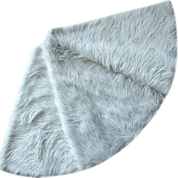 silver faux fur tree skirt