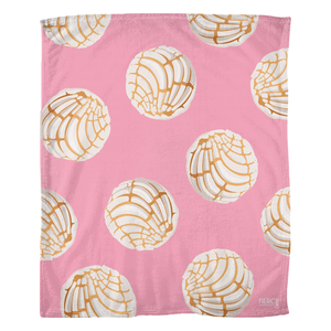 Concha Fleece Blanket