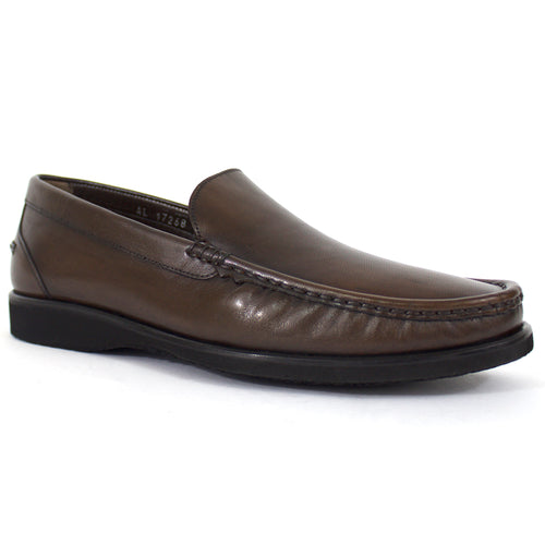 The Levi Leather Loafer in Brown
