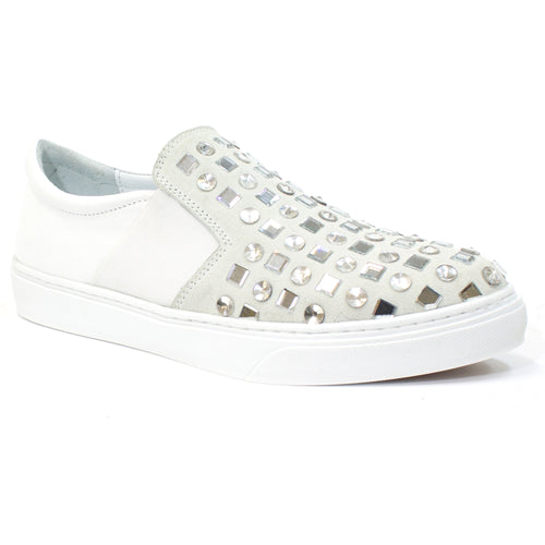 white sneakers womens