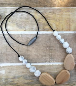 SYNDI - Beech Wood and BPA Free, Non Toxic, Food Grade Silicone Beads