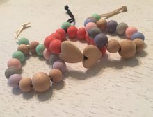 RAINBOW AND HEARTS - BPA Free, Non-Toxic, Food Grade Silicone Tension Bracelet