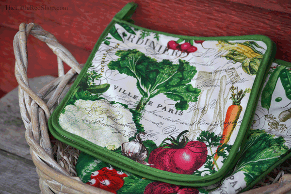 Michel Design Works From My Garden Potholder decorated with vegetables
