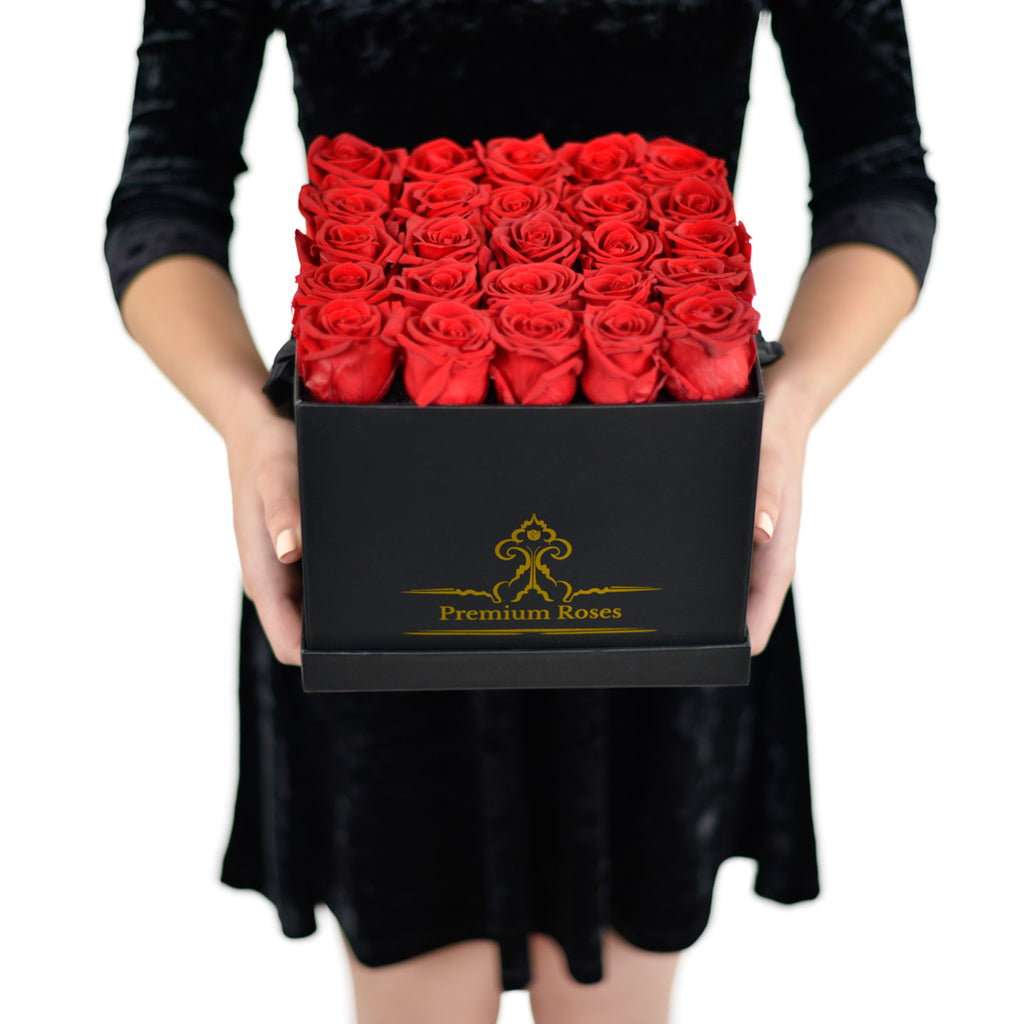 Bunch of Red Roses in black Box