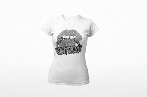 Short sleeve silver lips silver chain white tee