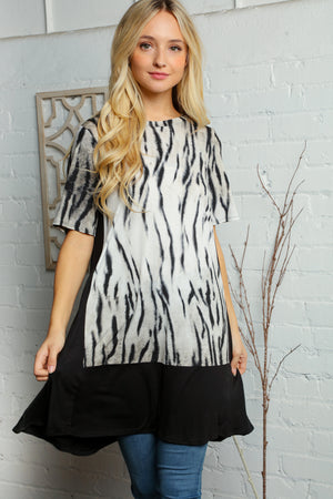 Plus Black & Ivory Design Print Pocketed Tunic