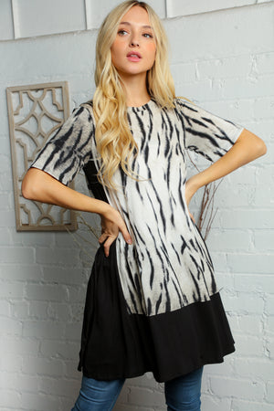 Black & Ivory Design Print Pocketed Tunic