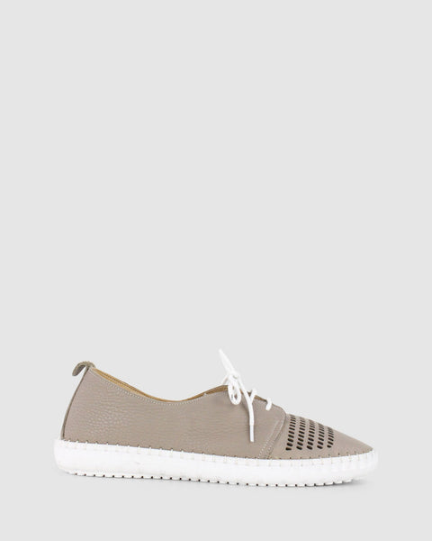 Libby Lace Up Shoe | Darkstone | Bueno