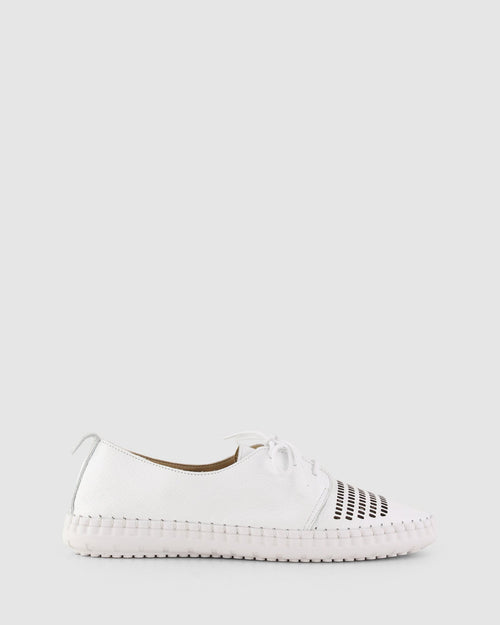Libby Lace Up Shoe | White | Bueno