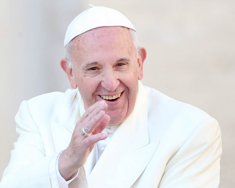Pope Francis proves once again that he has breastfeeding moms' backs