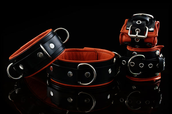 TTC Leather Bondage Collar & Cuffs
