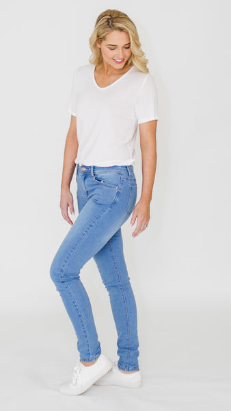 Everyday Basic Jean (Light)